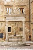 En la plaza principal de montepulciano - italia — Foto de Stock