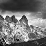 """Tre Cime di Lavaredo - Landscape """" Drei Zinnen """" black and withe — Stock Photo"""