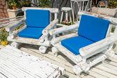 Kosz plażowy biały i niebieski — Zdjęcie stockowe