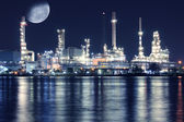 Oil refinery plant night scene — Stock Photo