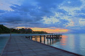 Wood bridge path at beach sunrise — Foto de Stock