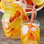 Homemade lemonade. — Stock Photo