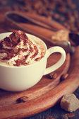 Filiżankę cappuccino. — Zdjęcie stockowe