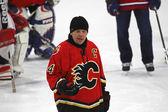 NHL Hockey Theo Fleury Gives Instruction — Stock Photo