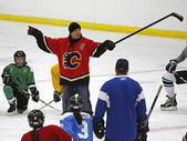 NHL Hockey Theo Fleury Instructs — Stock Photo