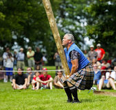 Highland Games Caber Heavy Man Toss — Stock Photo