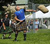 Highland Games Toss Heavy Sheaf — Stock Photo