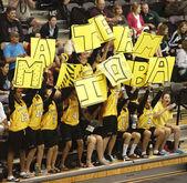 Basketball Manitoba Spectators Signs — Stock Photo