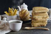 Sıcak kahve ve ekmek — Stok fotoğraf