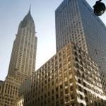 New York City Manhattan street view with Chrysler Building — Stock Photo