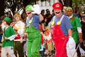 Nintendo fans dressed as game characters march in the annual DragonCon parade — Stock Photo