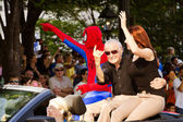 Spider-Man creator Stan Lee waves to the crowd at the annual DragonCon parade — Stock Photo