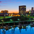 Downtown Augusta, Georgia, along the Savannah River at night just after sunset — Foto Stock