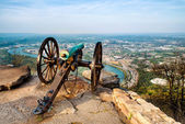 Civil war era cannon overlooking Chattanooga, Tennessee — Stock Photo