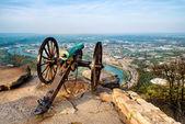 Civil war era cannon overlooking Chattanooga, Tennessee — Stock Photo