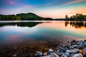 Lake Allatoona at Red Top Mountain State Park north of Atlanta at sunrise — Stock Photo