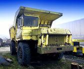 Старый грузовик — Стоковое фото
