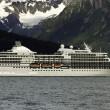statek wycieczkowy, pozostawiając seward — Zdjęcie stockowe