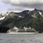 Cruise ship leaving Seward — Stock Photo