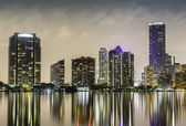 Miami downtown in der nacht — Stockfoto