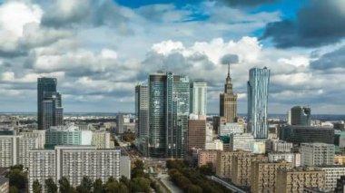 Varsovie skyline ville timelapse avec cloud dynamique — Vidéo