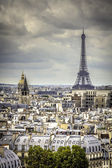 View on Eiffel Tower in Paris — Stock fotografie