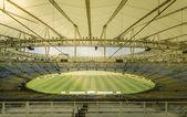 Słońce na pole pusty stadion maracana w rio de janeiro, brazylia — Foto Stock