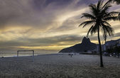 Sunset on Ipanema Beach in Rio de Janeiro, Brazil — Stock Photo