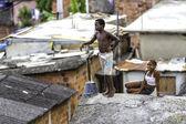 Children on roof in Rio de Janeiro — Stock Photo