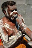 Aboriginal Man Playing Didgeridoo — Stock Photo