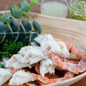 Steamed Crab Legs with Thai spicy seafood sauce — Stock Photo