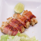 Japanese cuisine, bacon and Enoki Mushroom roll — Foto Stock