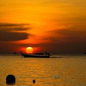 Krásný západ slunce nad mořem — Stock fotografie
