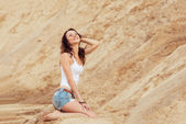 Woman relax summer on beach — Stockfoto