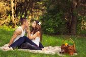 Mladý pár ovlivněn — Stock fotografie