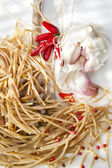 Wholemeal Spaghetti Garlic And Chili Oil — Stock Photo