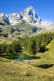 Valle d'Aosta view of the blue lake  — Stock Photo