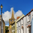 St Mary's Church, Tenby,viewed from a picturesque street. — Stock Photo