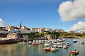 View of Tenby harbour and town on a summers day . — Stock Photo