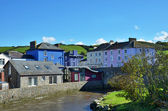 Nehir aeron boyalı evlerin görünümünü. — Stok fotoğraf