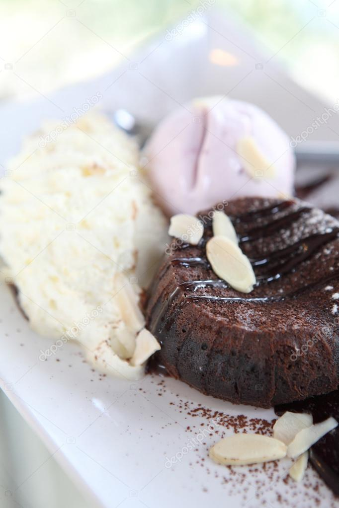 Chocolate Lava Cake with ice cream — Stock Photo #13904327