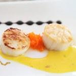 Pan seared sea scallops — Stock Photo