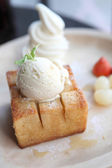 French toast with ice cream and fruit — Stock Photo