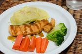 Grilled salmon steak. — Стоковое фото