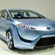 Постер, плакат: The Toyota FCV R car