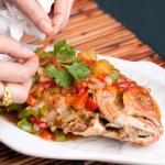 Yemek stilisti kaplama balık — Stok fotoğraf