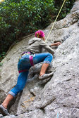 Young female climber — Stock fotografie