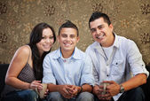 Joyful Hispanic Family — Stockfoto