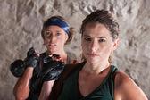 çalışma dışarı iki ciddi kadın — Stok fotoğraf