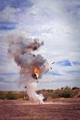 Toestel ontplofte door efx pyrotechnische team — Stockfoto